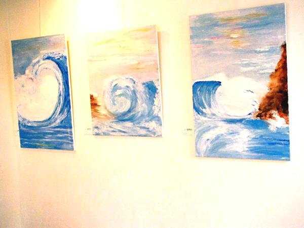 wave display gallery