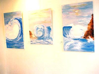 wave display gallery